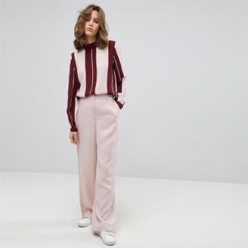 《D'Fina 時尚女裝》 通勤OL風 撞色直條拼接小高領套頭雪紡上衣