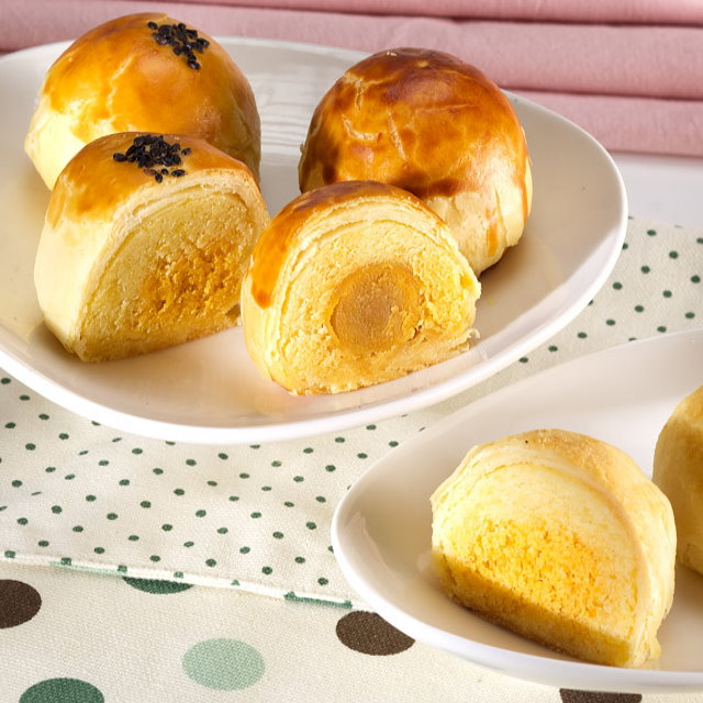 【漢坊月餅/糕餅】御點 沖繩黑糖蛋黃酥禮盒(8入x5盒)