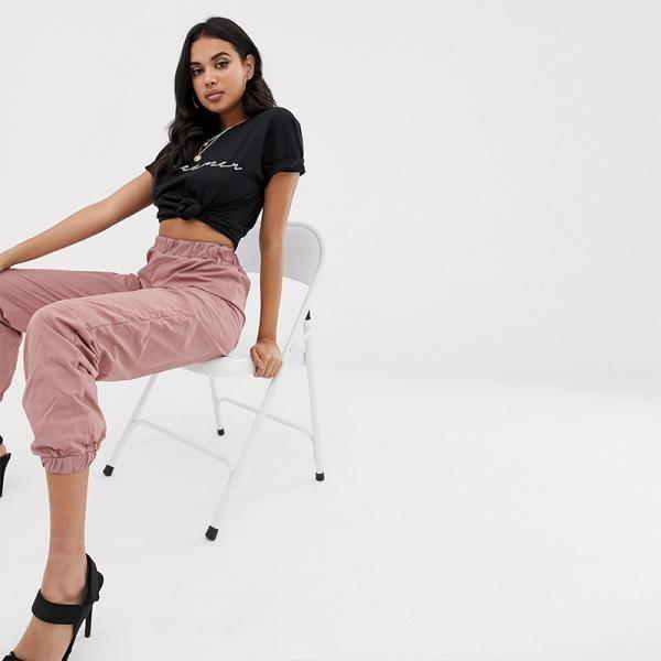 《D'Fina 時尚女裝》 Dreamer 字母印刷設計圓領T恤