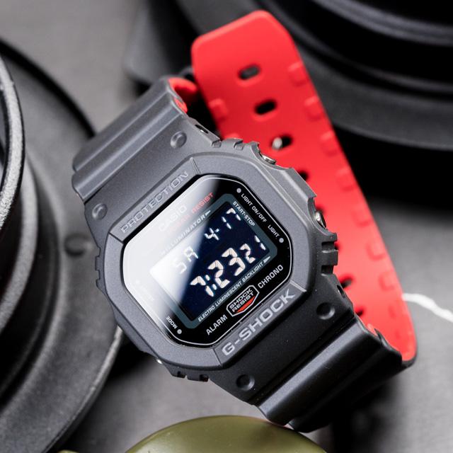 G-SHOCK 絕對強悍時尚潮流運動錶-黑紅(DW-5600HR-1DR)