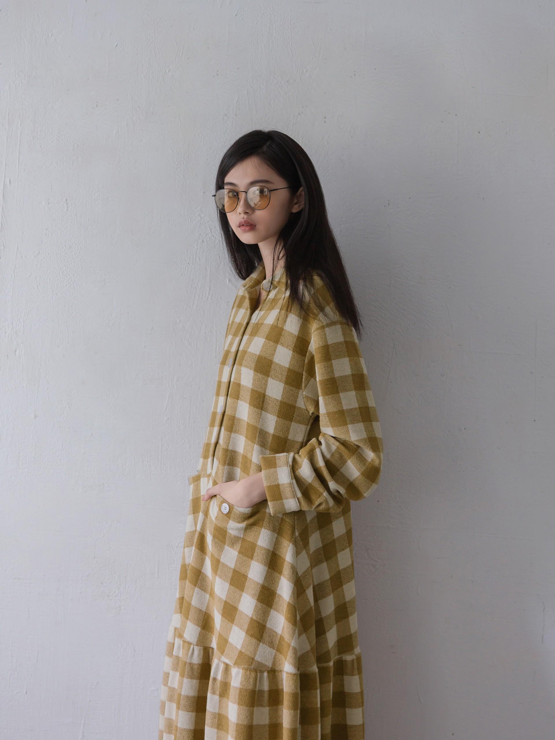 方格棉紋感層次洋裝-mouggan
