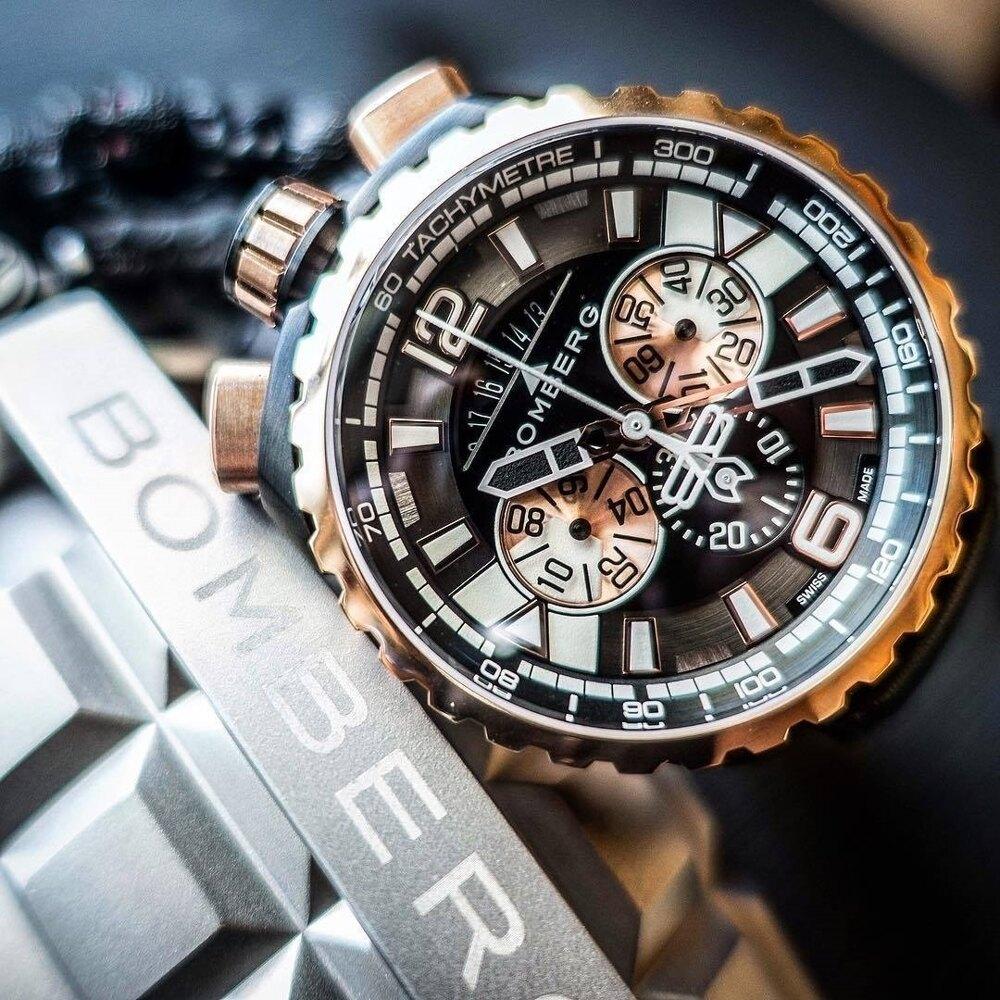 BOMBERG  BS45CHPPKBA.050-1.3 (金色計時碼錶)45mm另可組成懷錶