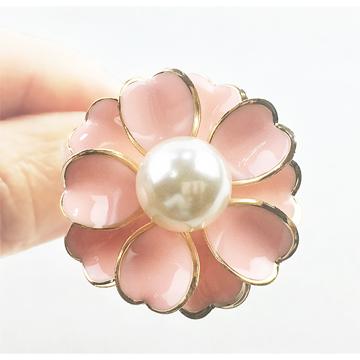 ☉ 母親節、情人節送禮的最佳選擇☉ 細緻、輕巧、好搭配☉ 珍珠花 三環 絲巾扣