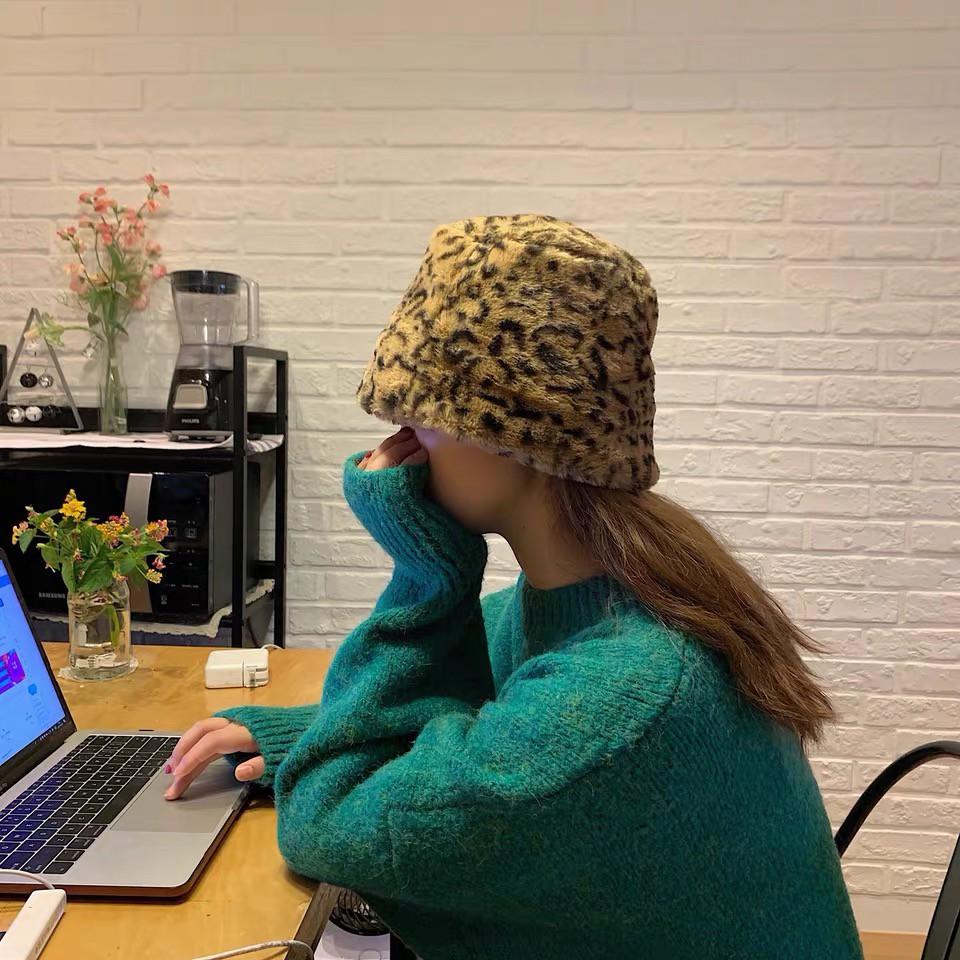 木瓜製品/小野馬~韓國博主搭配率超高的東大門個性豹紋毛絨帽仿皮草盆帽