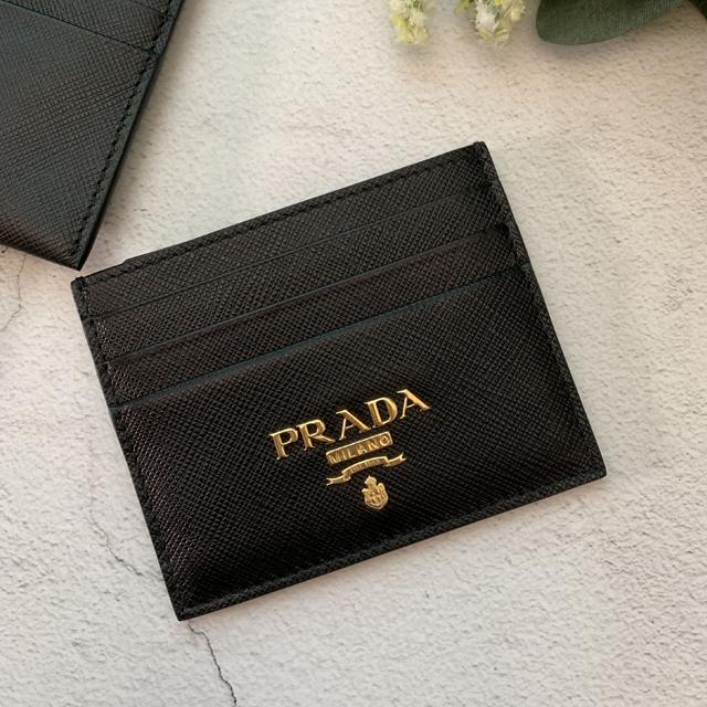 【PRADA】黑色防刮皮平面卡夾