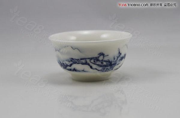 青花瓷雪景品茗杯