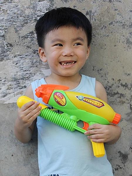 男孩水槍玩具遠射程噴水槍戲水玩具