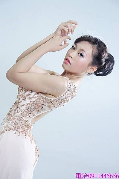 (45 Design)   專業訂製款 中大尺碼高檔定制 來圖訂製 婚紗禮服 表演 走秀 主持