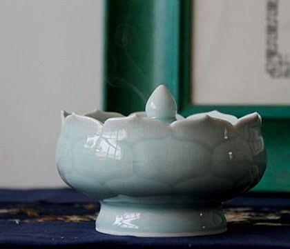青瓷古樸風手工鏤空香薰爐擺件工藝
