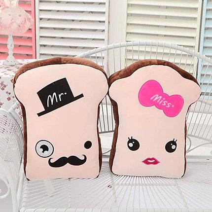 可愛創意情侶土司玩偶一對絨毛玩具抱枕靠墊 新年禮物 結婚禮物 生日禮物!! (50cm一對)