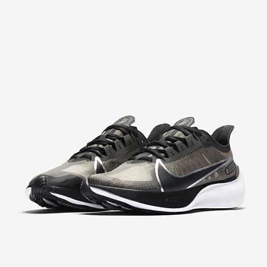 NIKE系列-NIKE ZOOM GRAVITY 女款運動慢跑鞋 黑銀-NO.BQ3203002