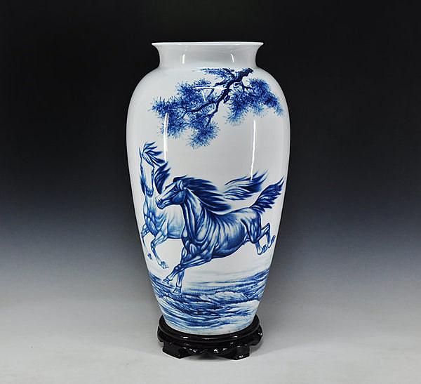 陶瓷花瓶 馬到成功 高檔工藝品擺件