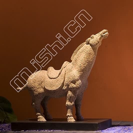 現代中式 飾品擺件  嘯馬