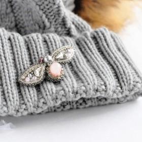 【一点もの・送料無料】ローズクォーツのピンクとビジュー 手刺繡 蜂のブローチ
