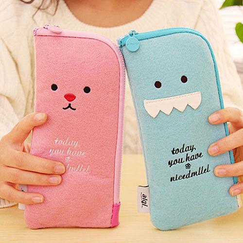 【超取399免運】暢銷日韓 多功能毛絨筆袋 可愛表情毛氈手機袋 收納筆袋
