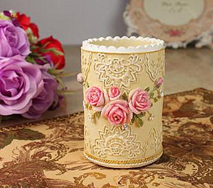 歐式田園浮雕彩繪玫瑰筆筒