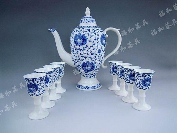 青花陶瓷酒具套裝
