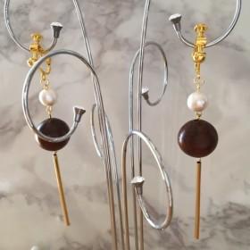 Creema限定 キラキラ石付き&可愛いコットンパール付き&木製パーツ付きイヤリング