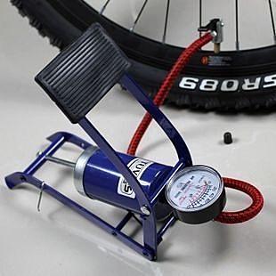 [衣林時尚] 腳踏式打氣筒 附泳圈轉換嘴 腳踏車 機車 汽車都可以打 附壓力錶