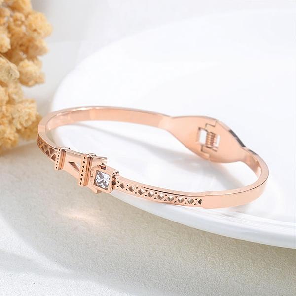 【5折超值價】時尚精美巴黎鐵塔鑲鑽造型女款鈦鋼手環