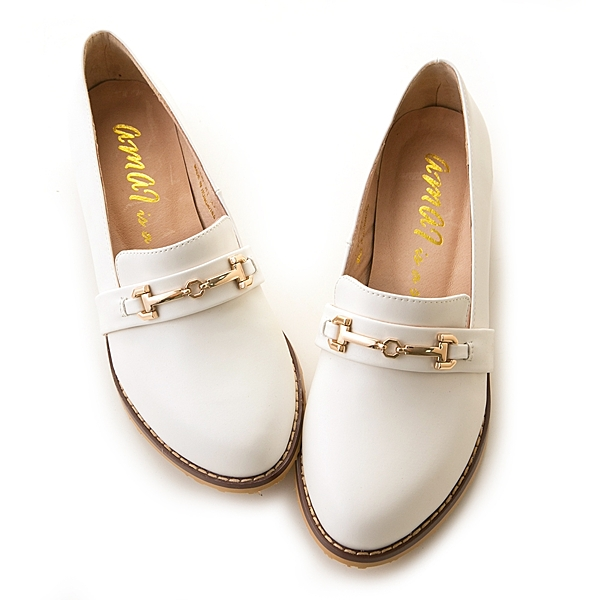 amai質感金釦微尖頭樂福紳士鞋 白