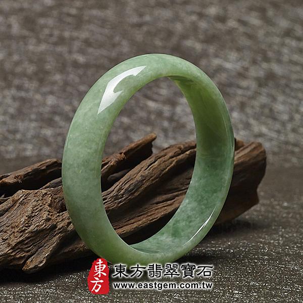 豆種手鐲、豆種玉鐲、豆種翡翠手鐲(淺綠色玉鐲手鐲,些微透光,圓鐲18.5,BE005)