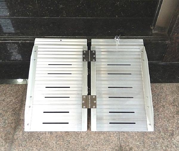 斜坡板/鋁輪椅梯-輪椅爬梯專用斜坡板  單摺鋁梯長36吋約91CM  (台灣製造)