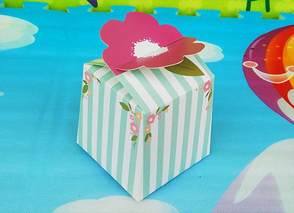 一朵小花開 小方盒 烘焙包裝 禮品【C092】餅乾糖果盒 年節 蛋糕 西點盒 牛軋糖 喜糖盒 外帶盒