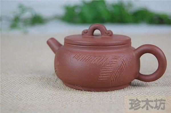 名家周婷宜興正品清水泥(雕刻漢瓦壺)