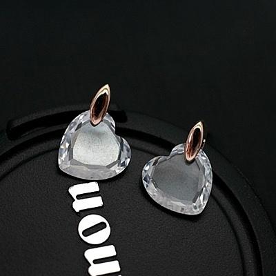 耳環 925純銀水晶-精緻桃心生日情人節禮物女耳針73gt171【時尚巴黎】