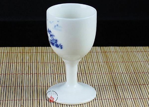 釉中彩青花瓷山水畫  陶瓷高腳杯 30ml  5個/組