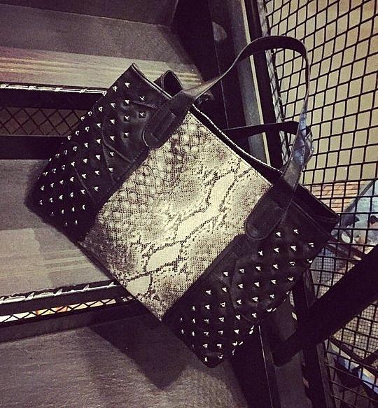 【找到自己】 歐美 質感 韓國 托特包 重磅 硬挺 包 手提 手拿 側背包 蛇皮包 紋路