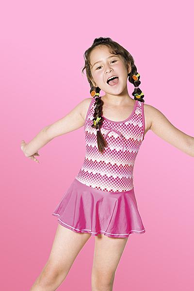【M8551】梅林泳裝降價↘特賣~女童菱狀布紋連身裙泳衣   贈泳帽