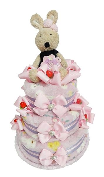 超可愛又實用的尿布蛋糕,讓收到的朋友絕對嚇一跳n真的是最好的送禮選擇~