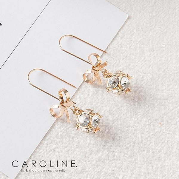 《Caroline》★韓國熱賣造型時尚  高貴典雅設計耳環70403