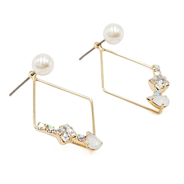 〔APM飾品〕日本Zoule 美鑽珍珠優雅菱形耳環 (白鑽款) (粉鑽款) (藍鑽款) (抗過敏)