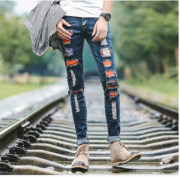 找到自己品牌 韓國 新款潮流個性緊身小腳牛仔褲 男 破洞貼布