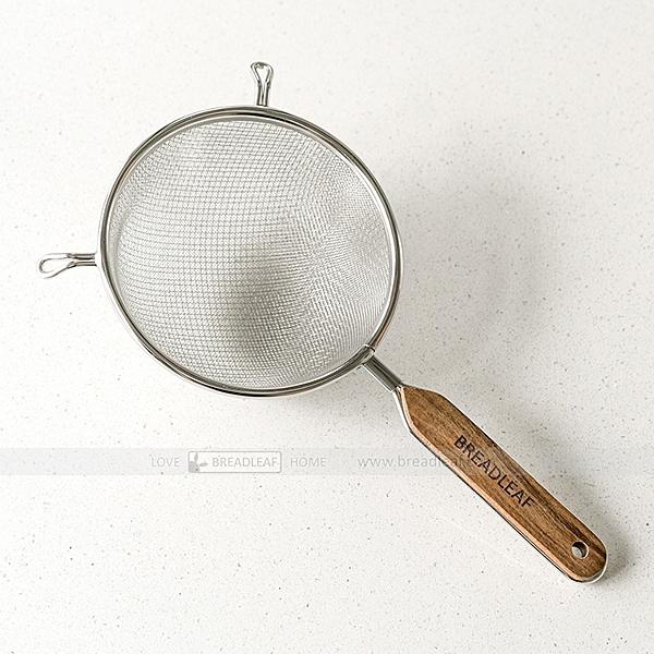 BreadLeaf 實木柄304不鏽鋼雙層篩網麵粉篩【B052】手持式篩網 可掛式粉篩 過篩器 灑粉器