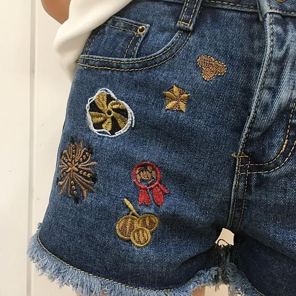 [超豐國際]夏修身顯瘦毛邊大碼刺繡花朵高腰牛仔褲短褲學生熱褲1入
