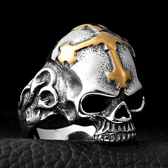 《 QBOX 》FASHION 飾品【RBR8-140】精緻龐克風十字架骷顱頭鑄造鈦鋼戒指/戒環