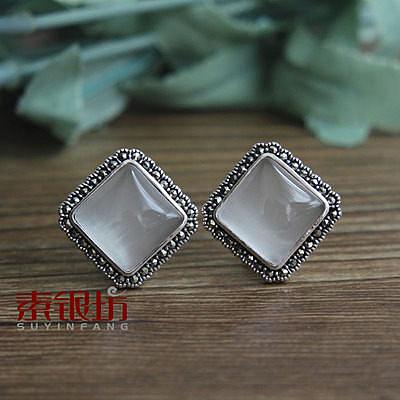 素銀坊~925純銀複古方形紅水晶貓眼石耳釘女  (一對)
