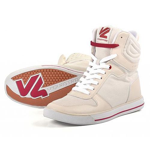 【東門城】V'QUATTRO GAME YOKO都市型車靴(米白)