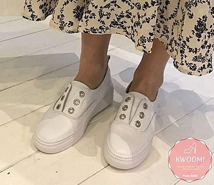 小白鞋 真皮鞋 休閒鞋 懶人鞋 韓國熱賣款簡約好穿搭 舒適鞋*Kwoomi-A41