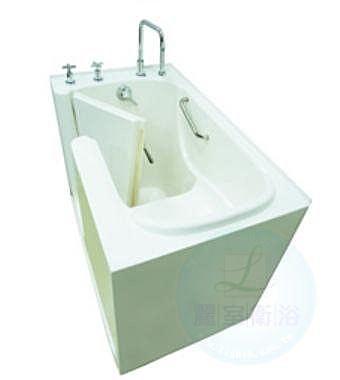 【麗室衛浴】 孝親缸含龍頭 適合家中長輩及行動不便人士 長130cm*寬77cm*高96cm