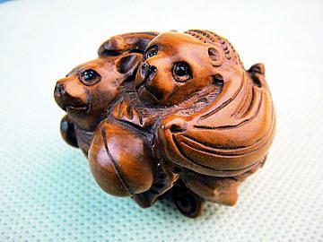 黃楊木雕件蝙蝠小手玩件 (一對)