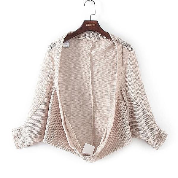 [超豐國際]好春秋裝女裝米色蝙蝠袖寬松針織衫 33676(1入)