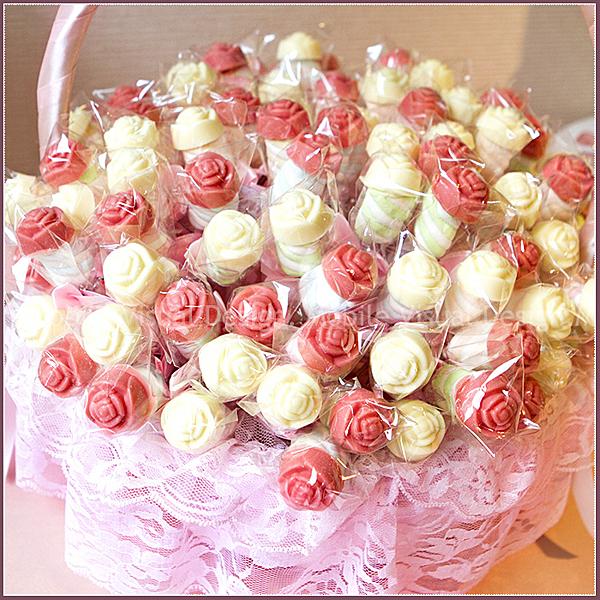 [鍾愛]玫瑰巧克力棉花糖棒X100支(2色各半)+大提籃X1個(限低溫宅配)-來店禮/婚禮小物/幸福朵朵