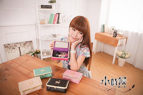 ☆小時候創意屋☆ 韓風 Cattia 貓咪皮革五色珠扣化妝包 化妝盒/收納包