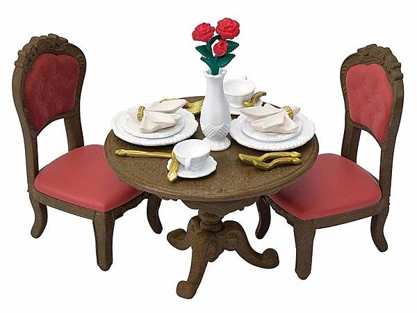 日本森林家族TOWN餐桌組_EP29530(不含森林玩偶內含桌子及2張椅子餐盤叉子湯匙)