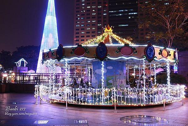 大型豪華旋轉木馬 20人座 新北市歡樂耶誕城 遊樂園 聖誕節 活動租賃另有小型旋轉木馬 耶誕活動.